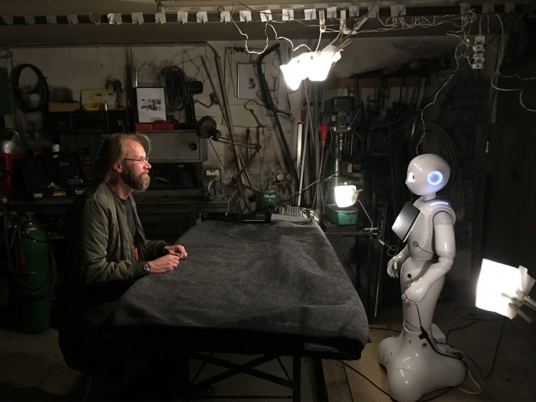 """upcoming> Introspection-Performance """"The Robot is Present"""" at Volkstheater Vienna"""